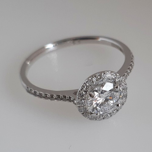 Ring 18k Vitguld med Diamanter 0,82 ct Elvira