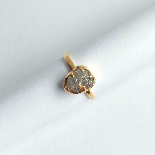 Ring Guld 18K med Naturlig Rådiamant 3 ct. Strl 17 mm.