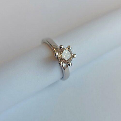 Vintage Ring 18K Vitguld med Diamant 0,85 ct