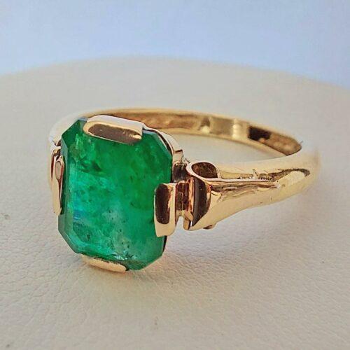 Vintage Ring i 23K Guld med Smaragd